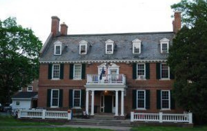 AD-Fraternity-House-Dartmouth