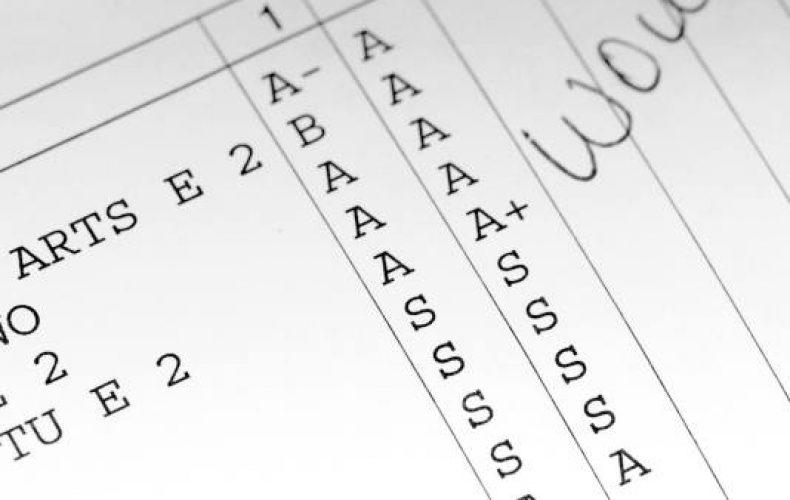 report-card-good-grades-square
